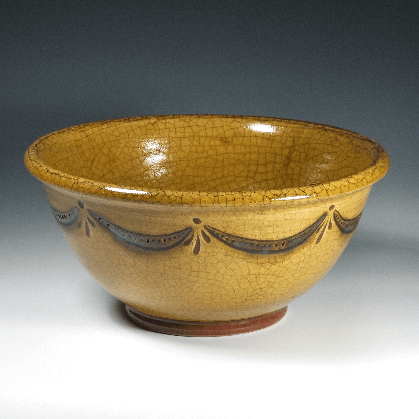 Bowl, Sgraffito, Swag