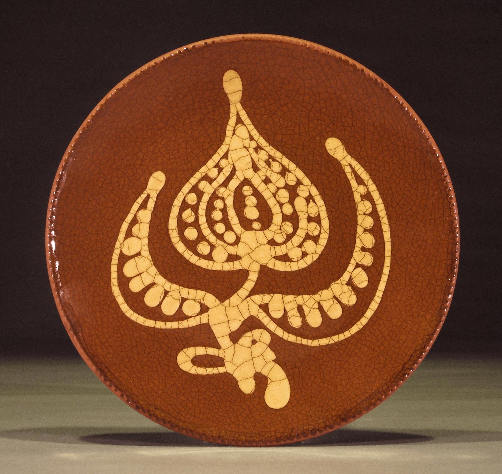 Round Plate, Slipware, Floral Blossom