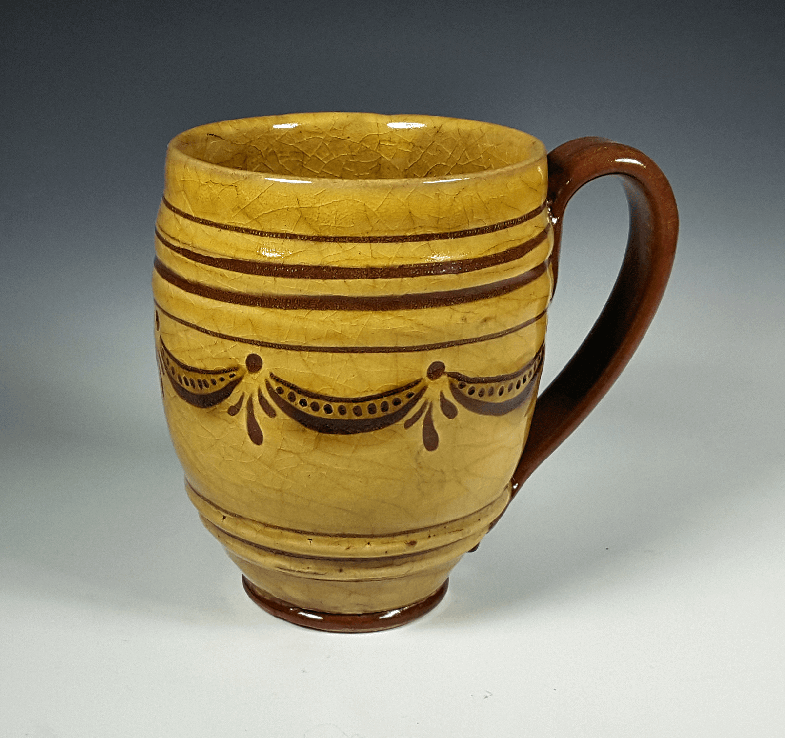 Barrel Mug, Sgraffito, Swag