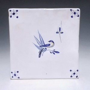 Tile, Bird and Bug