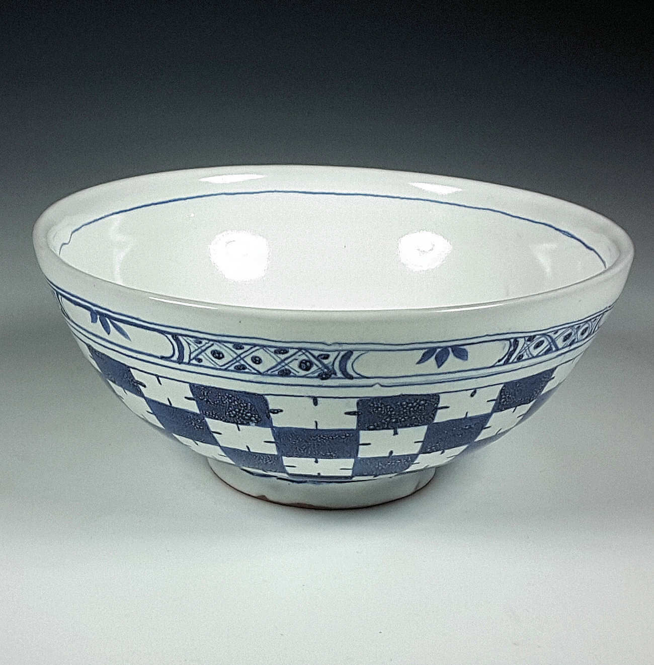 Punch Bowl, Checkered