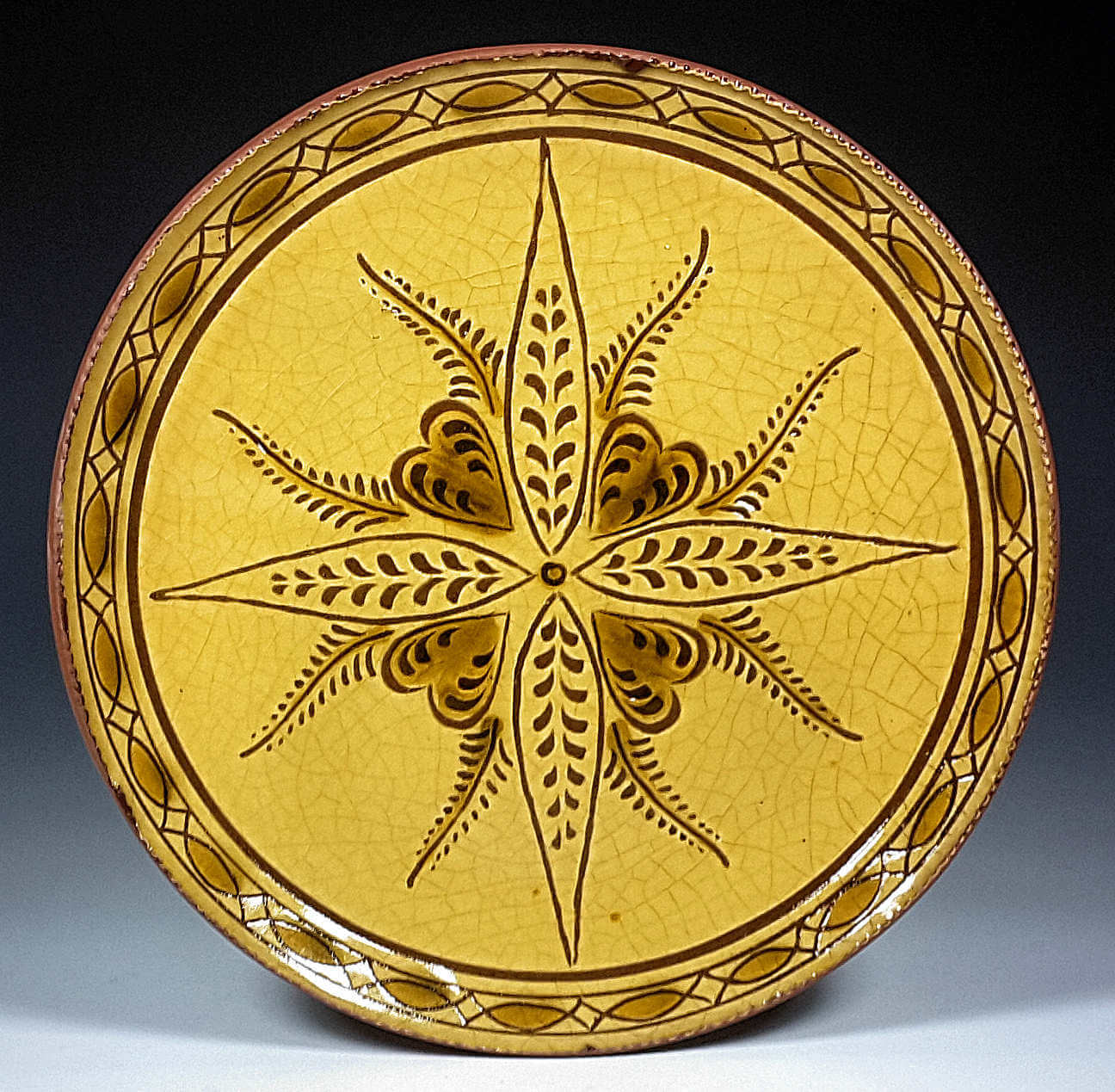 Round Plate, Sgraffito, Vine and Leaf