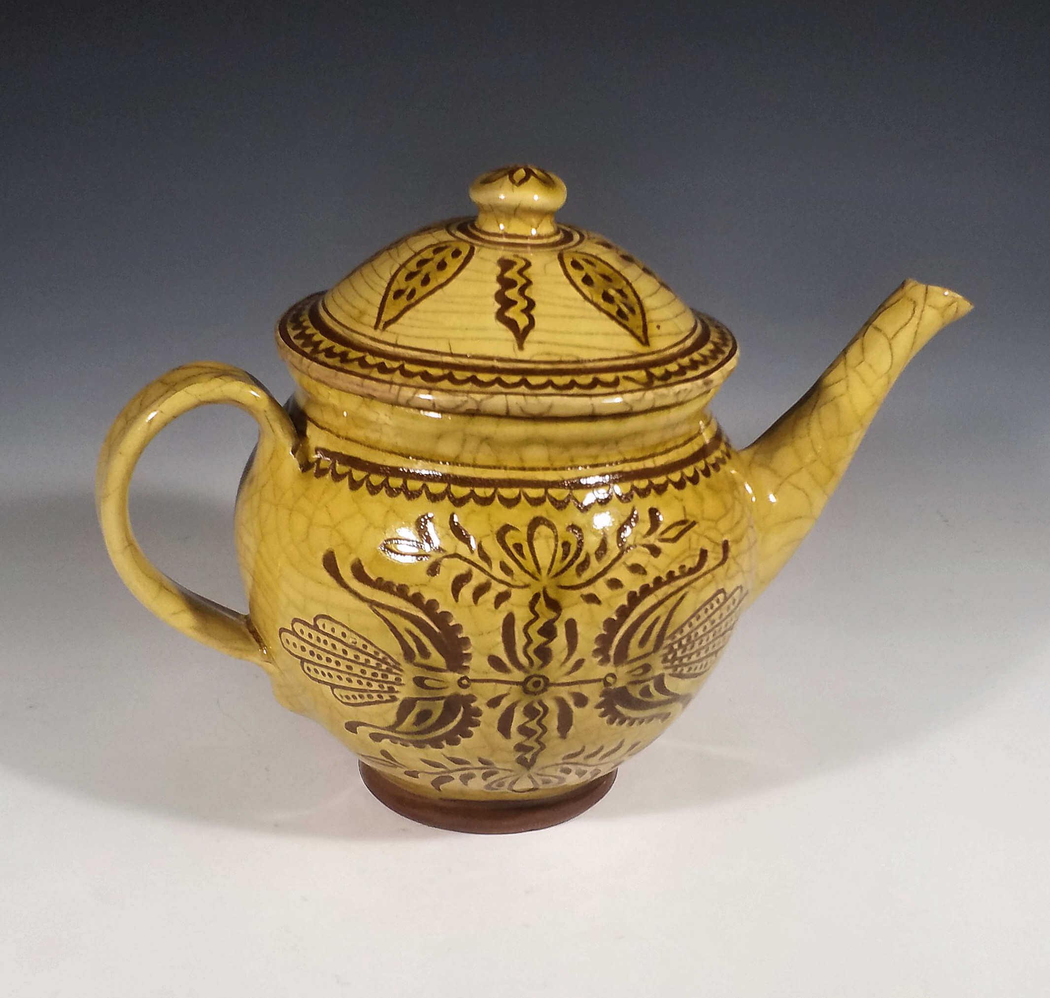 Teapot, 2 Tulips