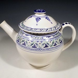 Teapot straight spout
